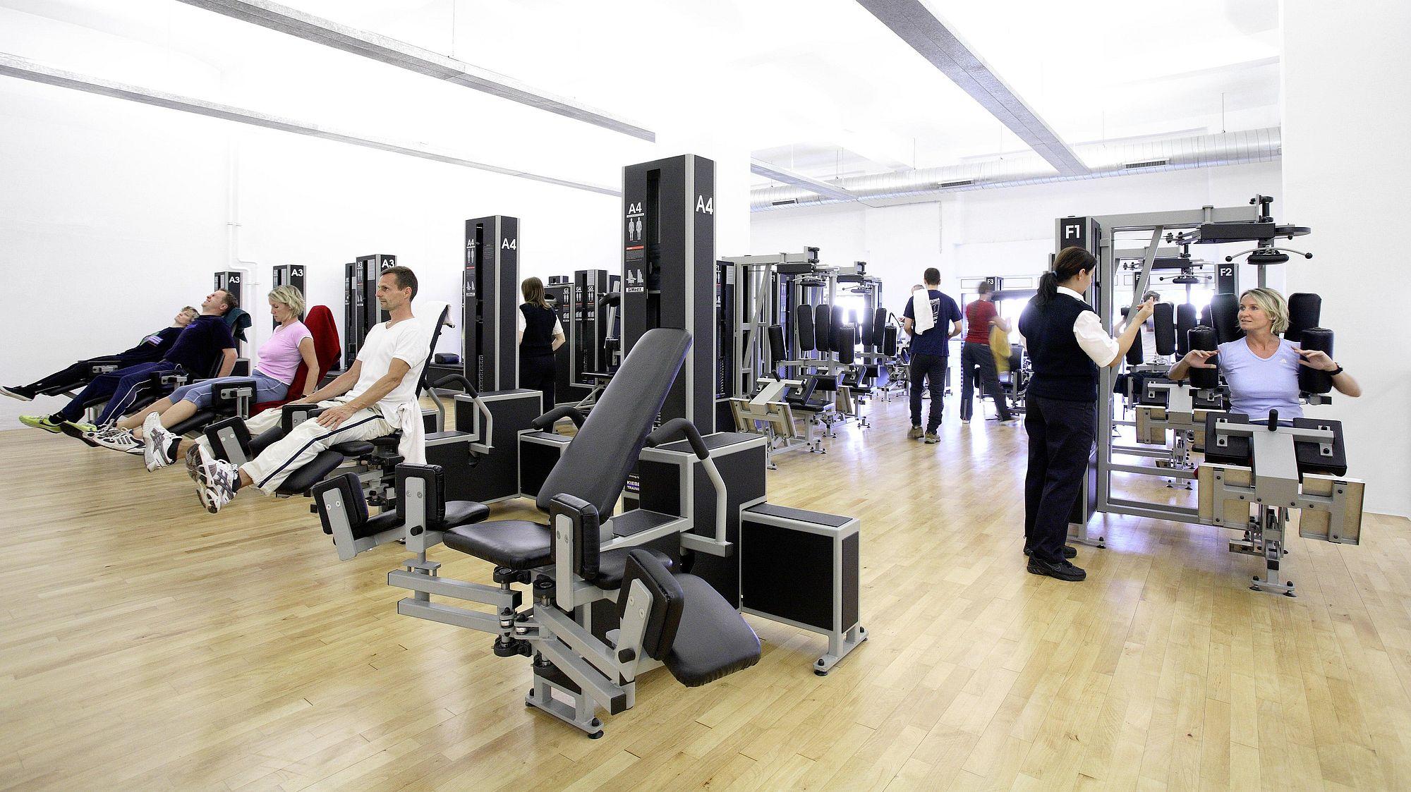 Ihr Fitnessstudio in Frankfurt-Ostend | Kieser Training